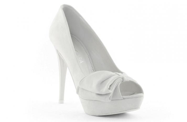 wedding shoes bridal heels by Rosa Clara 2013 vintage inspired