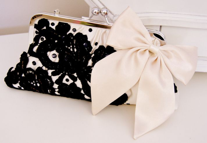 buttercream and black wedding colors elegant weddings chic clutch