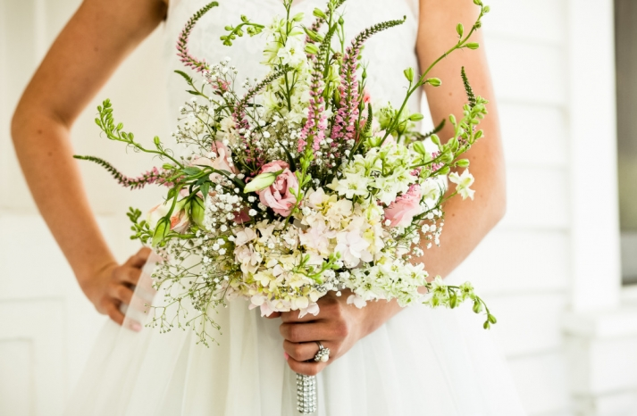 romantic mansion wedding with vintage inspired bride and groom bridal bouquet ivory pink green