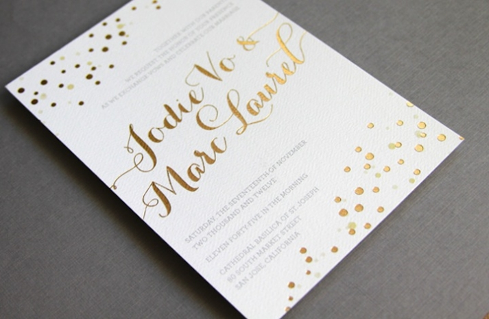 Beautiful-wedding-invitations-metallic-foil-stamping-gold-white-2