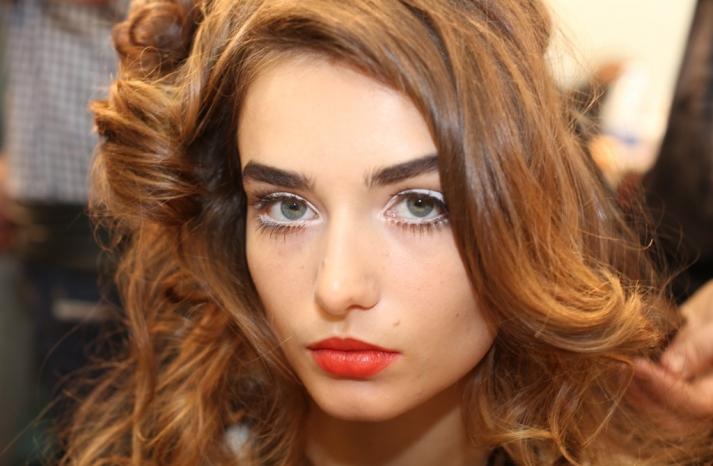 wedding hair makeup inspiration trends Milan fashion week Moschino 3
