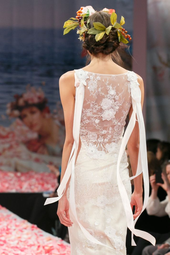 Claire pettibone s new wedding dress collection is for Where to buy claire pettibone wedding dress