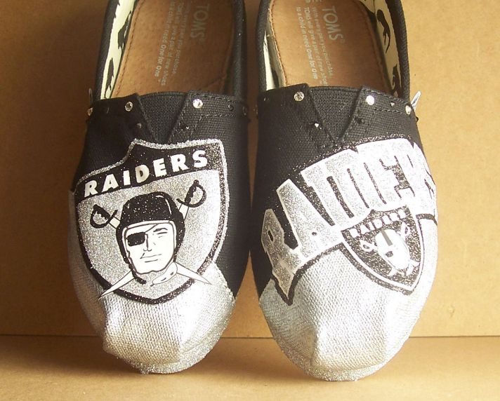 Funky Wedding Shoes for Sports Loving Grooms TOMS