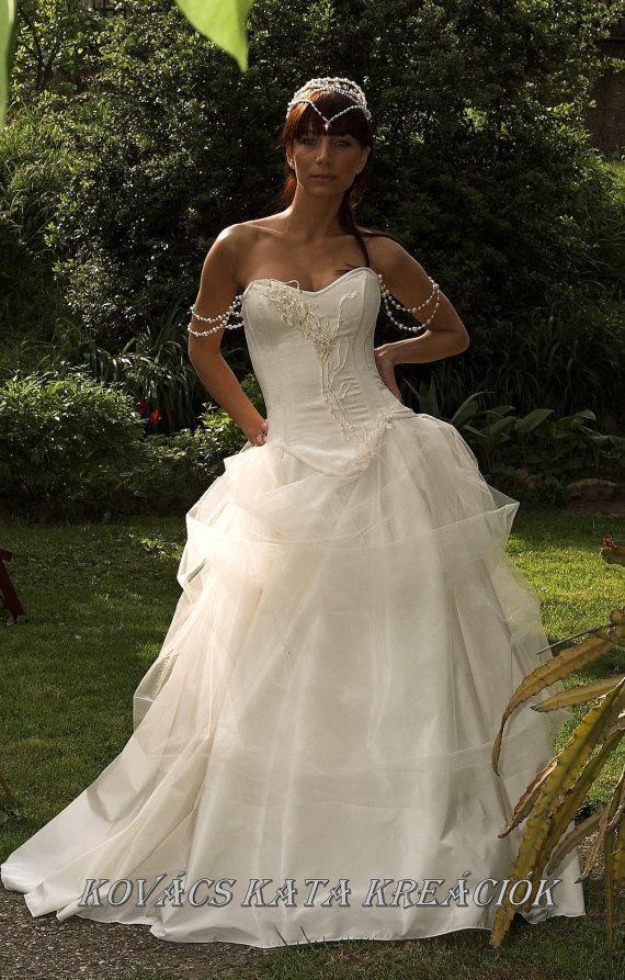 aphrodite gown