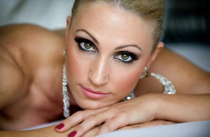 Bridal Beauty Inspiration Dramatic Eyes for the Wedding 11
