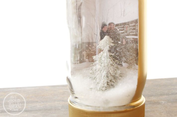 DIY Wedding Projects for Winter Brides Snow Globe Decor 3