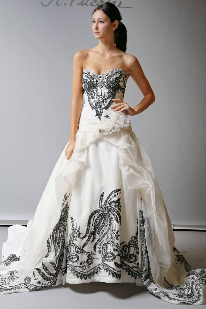10 beautiful 2013 wedding gowns by st pucchi for Black designer wedding dresses