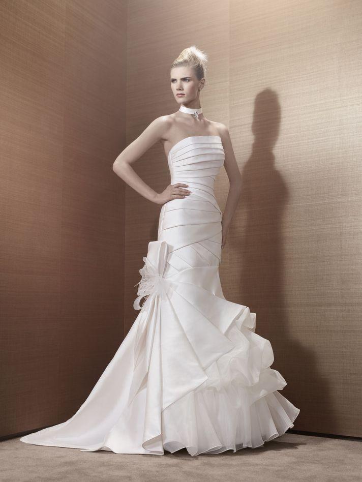 2013 Wedding Dress by Pronuptia Creations KH49