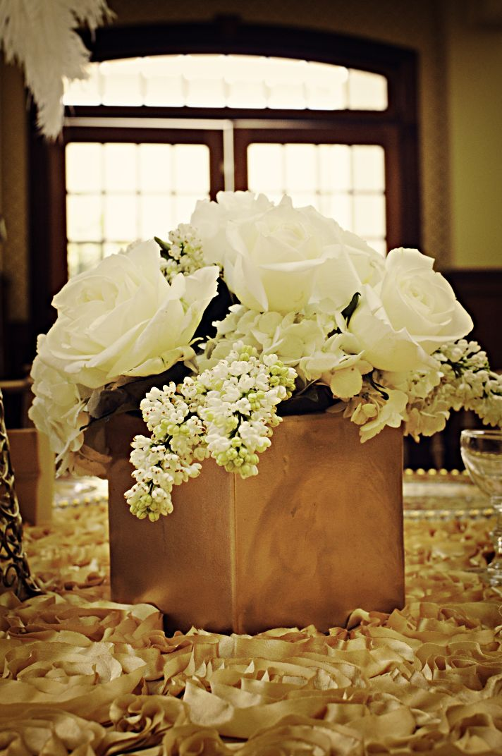 Classic Low Wedding Centerpiece with Ivory Roses and Hydrangeas