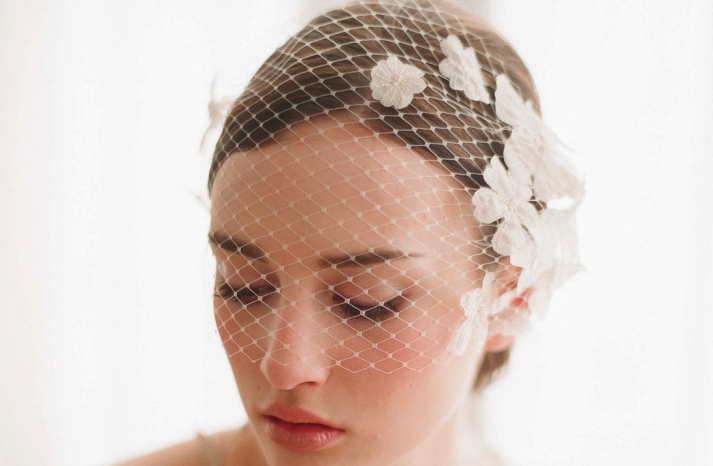 Net bridal blusher embellished with flowers