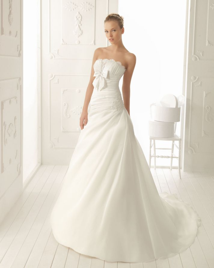 Aire Barcelona Wedding Dress 2013 Vintage Bridal Collection Vanesa