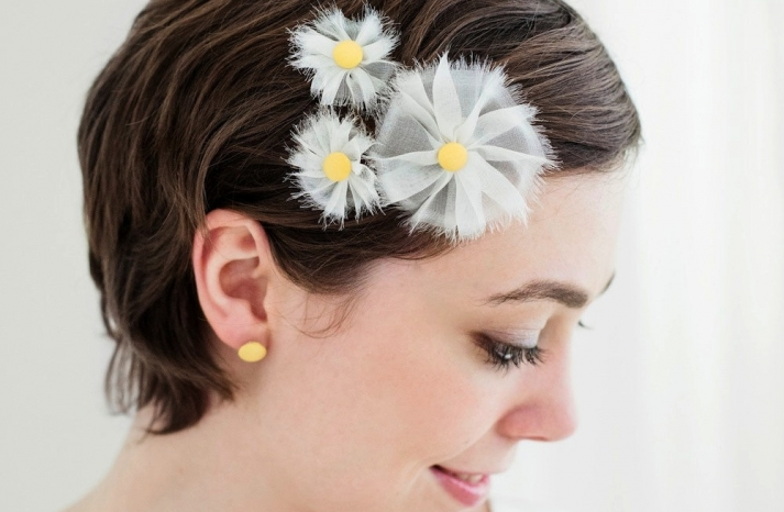 White and yellow daisy inspired wedding hair accessories