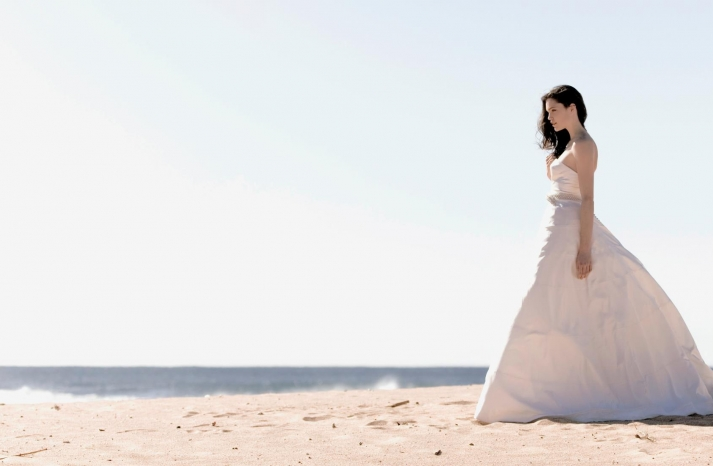 Stunning 2013 wedding gowns by Sarah Janks