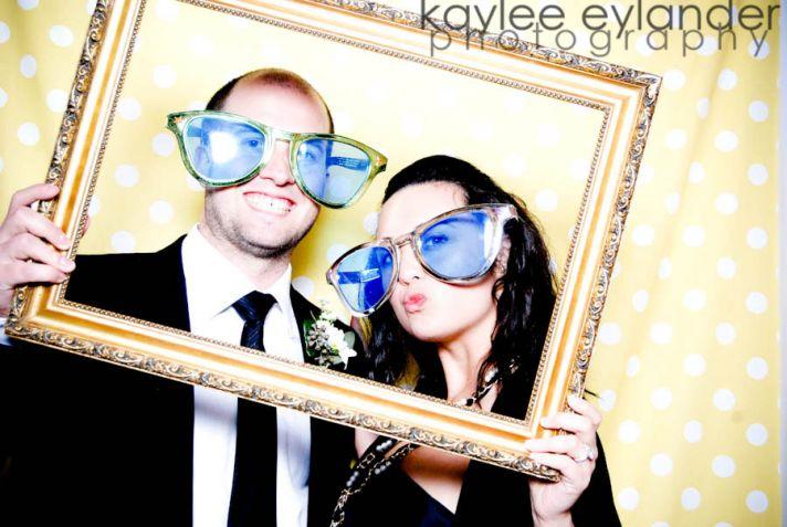 wedding photobooth pose off