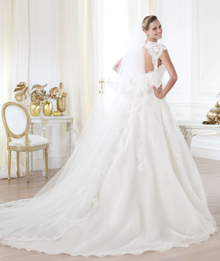 Pronovias wedding dress pre 2014 Glamour bridal collection Leozza 2