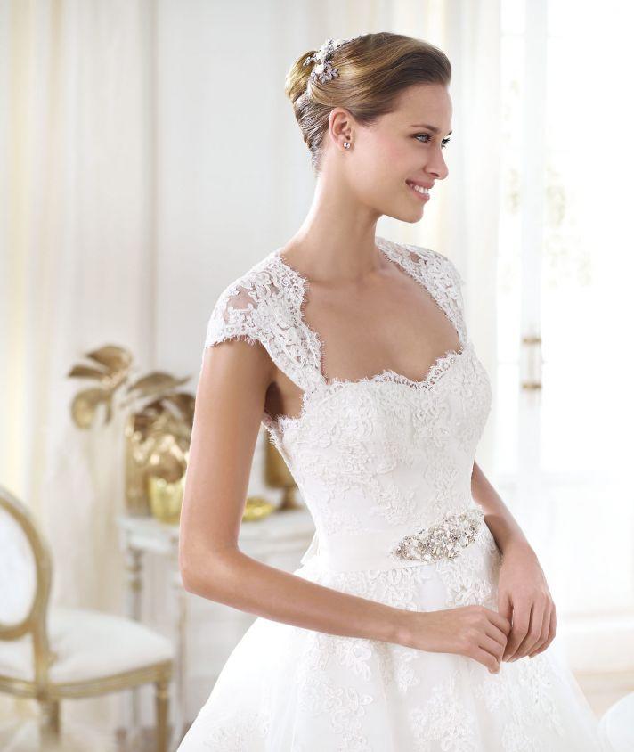 Pronovias wedding dress pre 2014 Glamour bridal collection Leozza 2
