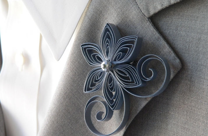 charcoal gray grooms unique boutonniere