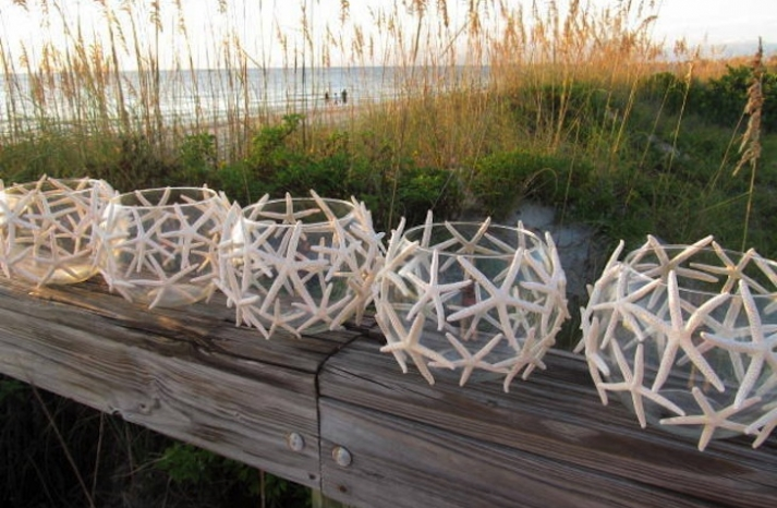 Starfish covered wedding table accents