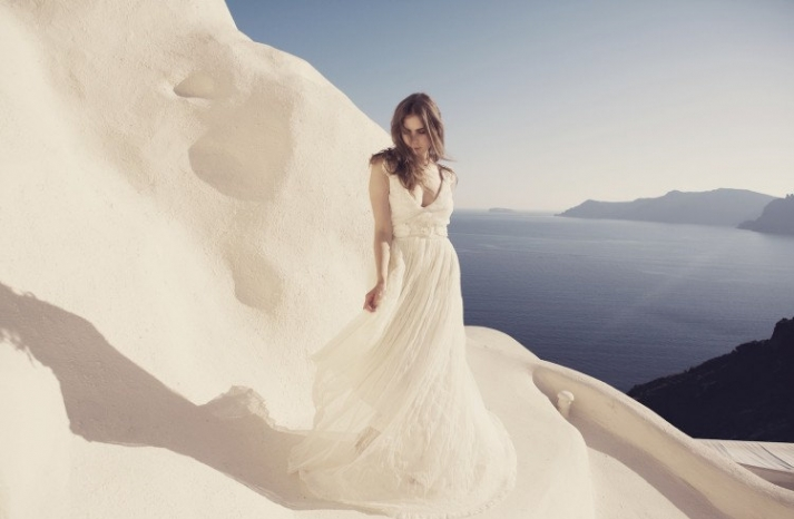 Low back wedding dress for the beach