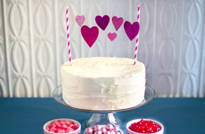 Simple wedding DIYs to try sparkly heart cake topper