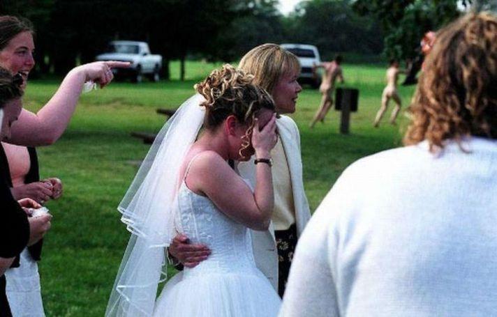 Naked wedding photobomb