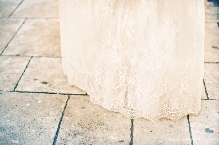 Manon Pascual wedding dress bridal shoot romantic lace