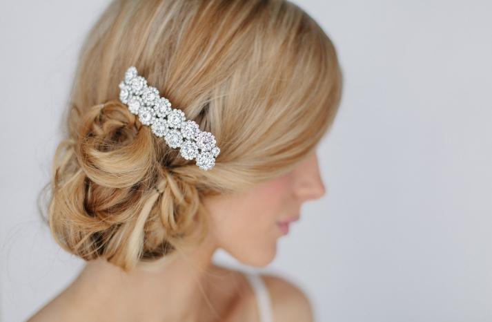 Crystal flower wedding hair clip