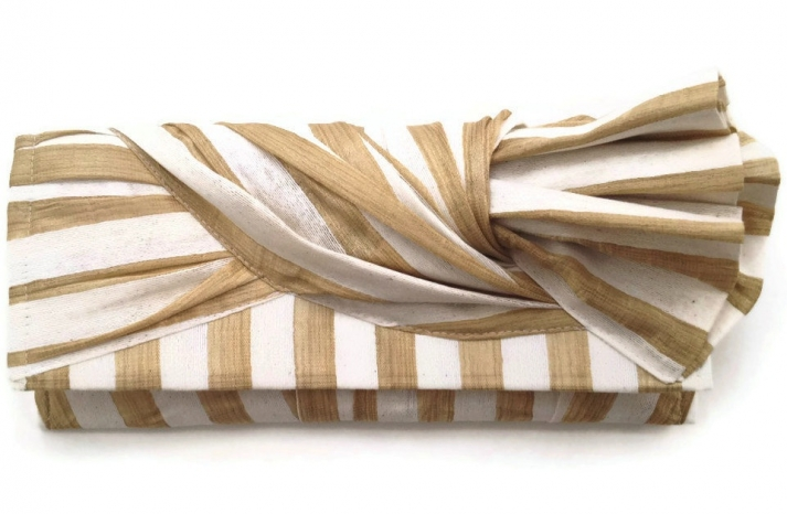 Gold and white knot wedding clutch