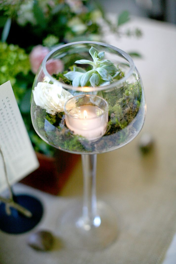 Southern chic wedding at cedarwood onewed for Glass wedding centerpieces