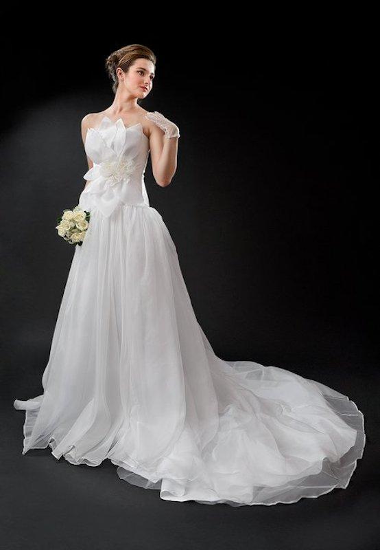 Custom wedding dress by Anna Neiman annette
