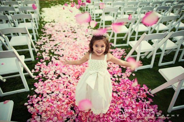 ombre aisle petals1
