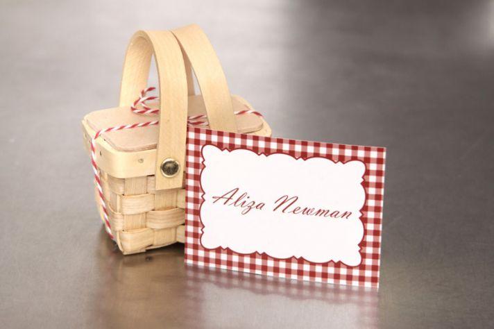 mini picnic box escort cards