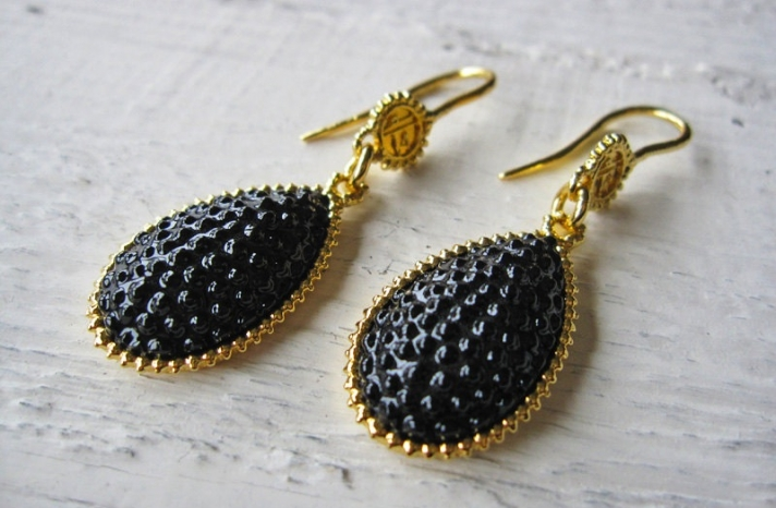 gold and black drop earrings for brides