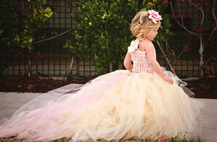 adorable tulle flower girl dress with train