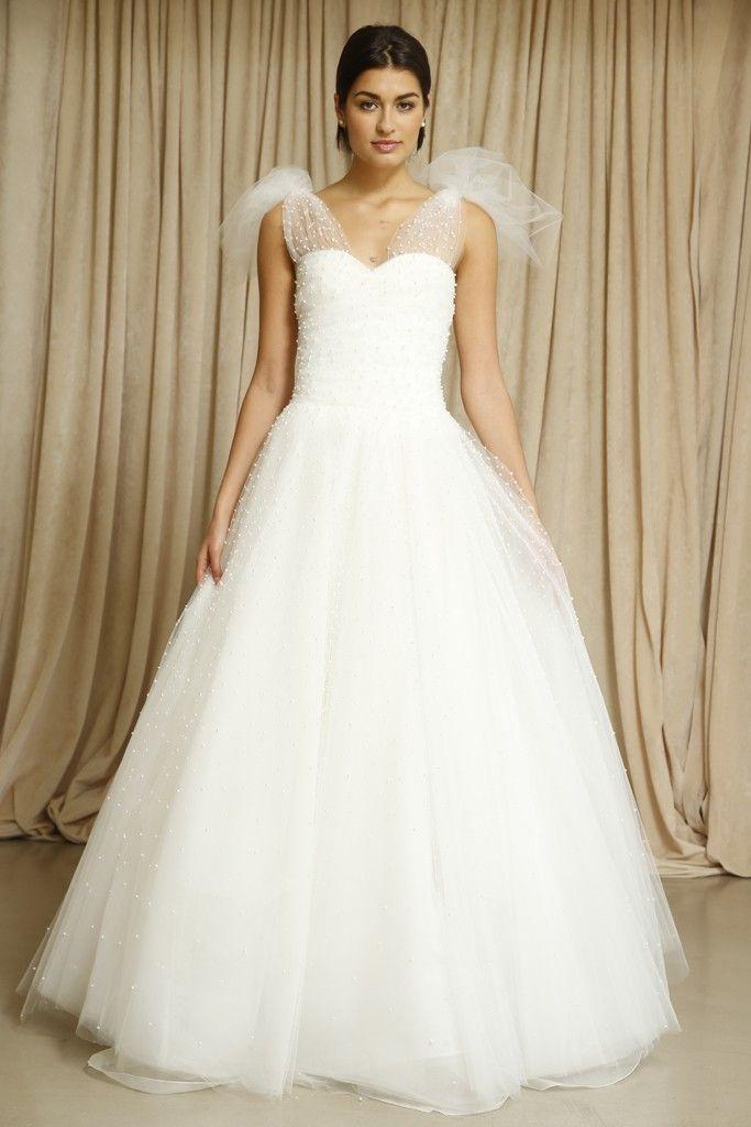 Oscar de la Renta wedding dress Fall 2014 5