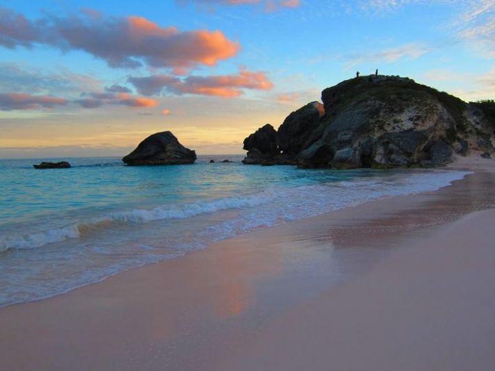 Beautiful Bermuda pink sand beach for honeymooners