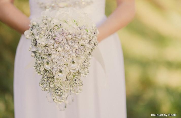cascading diamond bridal brooch bouquet