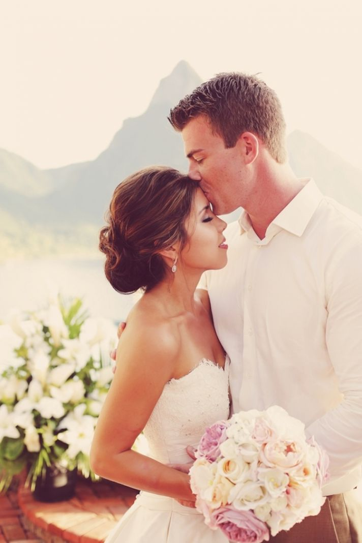 Real wedding kiss in the Caribbean