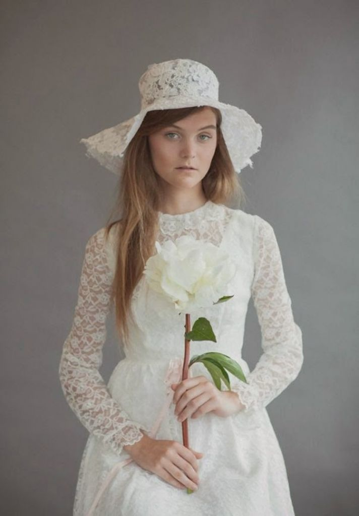 Wedding hat by Rue de Sciene