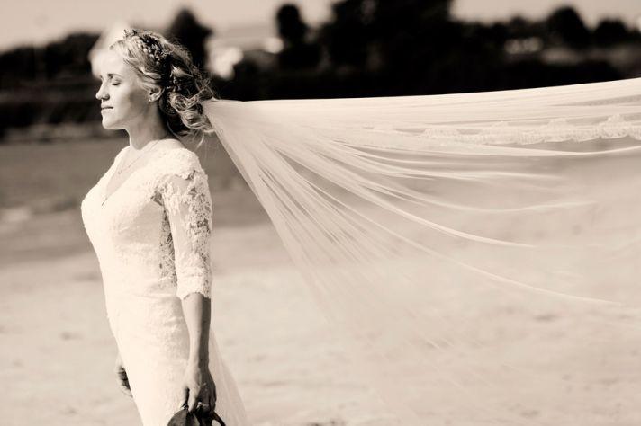Norwegian bride with veil