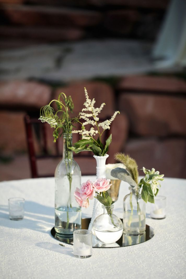 Simple outdoor reception centerpieces