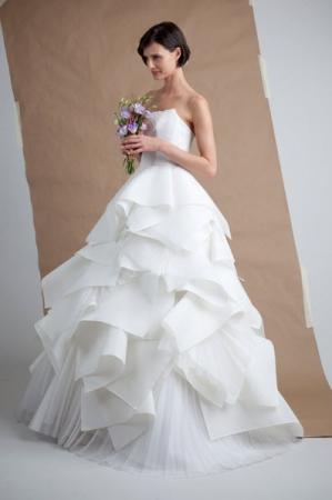 angel sanchez designer wedding dresses onewed. Black Bedroom Furniture Sets. Home Design Ideas