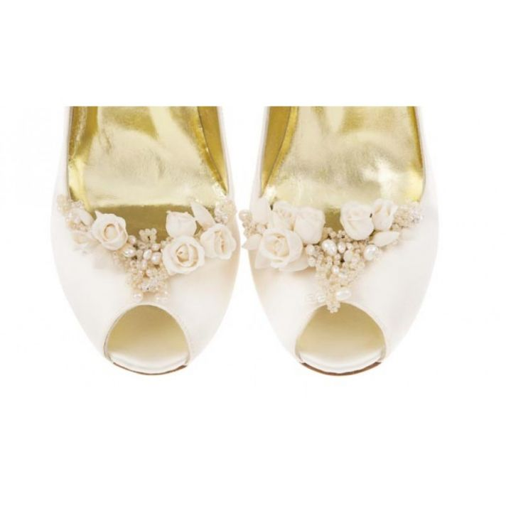 Ariel Toe Clip with real pearls and crystals