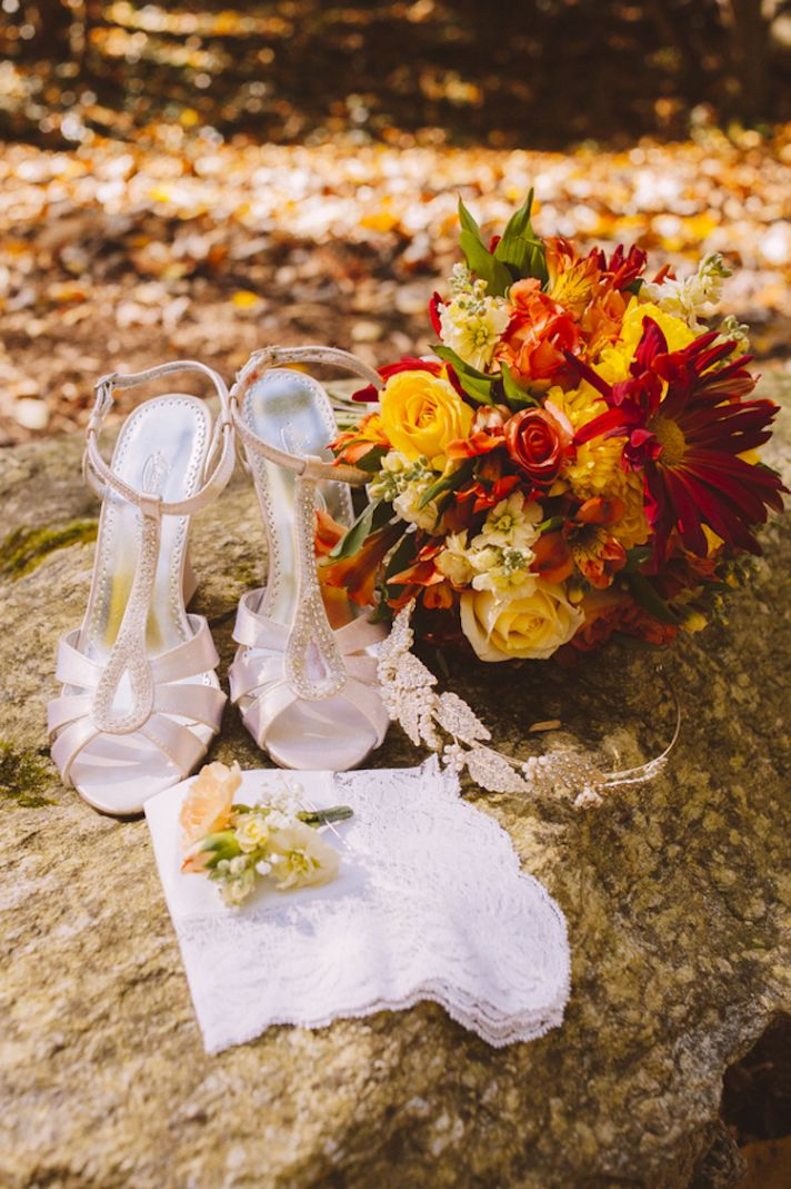 Pretty Bridal Accessories and Bouquet