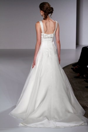 Vineyard collection wedding dress style peyton onewed for Vineyard wedding dresses