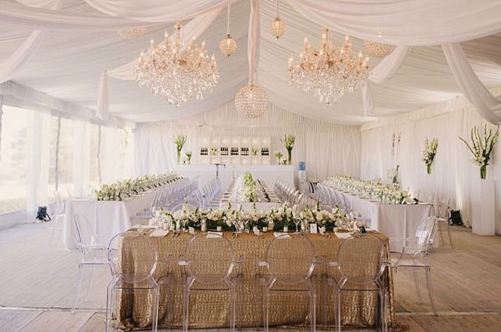 Simple Entrance Table Decor