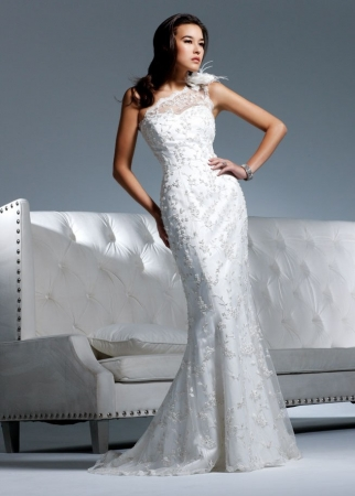 David tutera by faviana designer wedding dresses onewed for David tutera beach wedding dresses